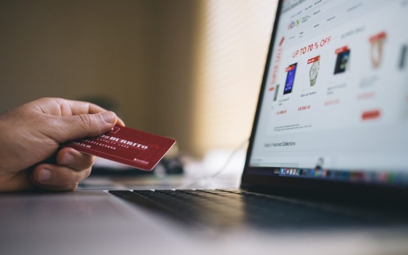 What to Look for Before Submitting Your Credit Card Online